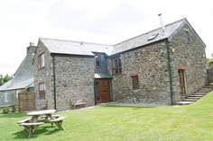 Wotton Stable - Holiday Cottage - 9.1 miles NE of Looe