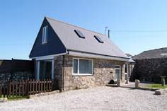 Faraway Loft - Holiday Cottage - 2 miles S of Sennen