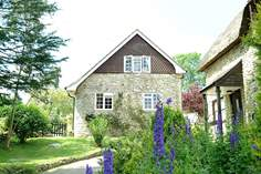 Nuthatch Cottage - Holiday Cottage - 7.4 miles NW of Lyme Regis