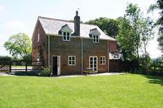 The Old Coach House - Holiday Cottage - 9.2 miles NE of Dorchester