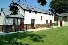 Grenlecotte Cottage - Holiday Cottage - 8.7 miles NE of Holsworthy