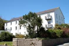 Neptune - Holiday Cottage - Porthcurno