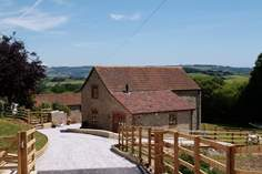Stable Tallet - Holiday Cottage - 3.6 miles N of Seaton