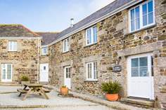 Pebble Cottage - Holiday Cottage - 2.7 miles S of Helston