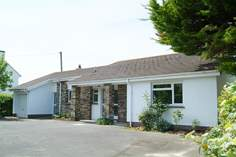 Penwell - Holiday Cottage - 1.9 miles SE of Bude