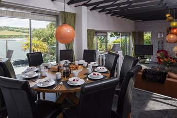 Plenty of space for a family meal whilst enjoying the view.
