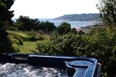 Stonebarrow Lodge - Holiday Cottage - 2 miles E of Lyme Regis