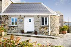 The Old Stable - Holiday Cottage - 2.7 miles S of Helston