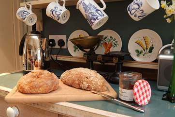 Enjoy a breadmaking course during your stay!