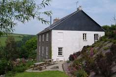 Lower Norton Farmhouse - Holiday Cottage - 1.6 miles W of Dartmouth