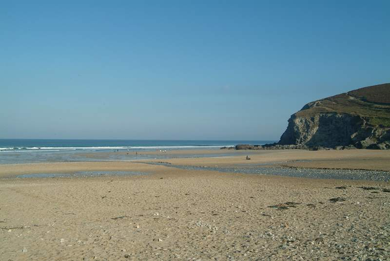 The sandy beach at Porthtowan is a five minute drive away, patrolled by lifeguards throughout the season.