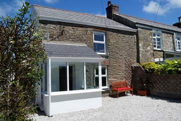 Gillyvean is on the edge of the village of St Agnes withing walking distance of pubs and restaurants.