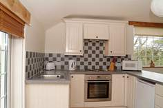 Swallows Nest - Holiday Cottage - 3 miles NW of Truro