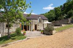 The Barn at Cowherd Shute Farm - Holiday Cottage - Shaftesbury
