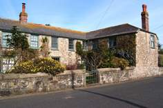 The Ship House - Holiday Cottage - 2.5 miles SE of St Ives