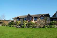 Wadsbury Farm Cottage - Holiday Cottage - 8.8 miles NW of Lyme Regis