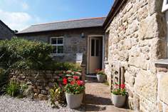 Sixpenny Barn - Holiday Cottage - 5.5 miles SW of St Ives