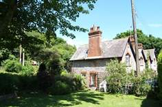 Berry Head Cottage - Holiday Cottage - 1.1 miles E of Brixham