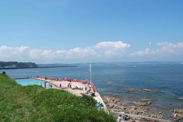 Shoalstone open-air salt-water swimming pool is just down the road (the pool is only open in the summer months).