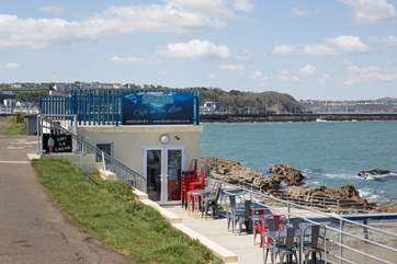 Shoalstone's open-air pool.