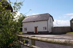 Cherryblossom Cottage - Holiday Cottage - 9.5 miles NE of Beaworthy