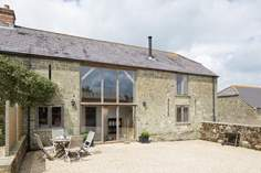Hatts Barn - Holiday Cottage - 1.7 miles NE of Shaftesbury