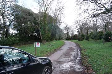 The start of the track down to the house - ignore the No Entry signs.