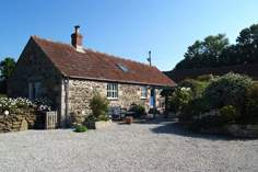 Lavender Barn - Holiday Cottage - 1.1 miles NE of Porthleven