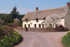 Combe Cross Cottage - Holiday Cottage - 9.4 miles SE of Minehead