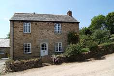 Smugglers Cottage - Holiday Cottage - 1.8 miles SE of Porthleven