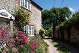 Hideaway Cottage sleeps Sleeps 4, 3.8 miles E of Lyme Regis.