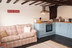 The Coach House - Holiday Cottage - 4.2 miles N of Bude