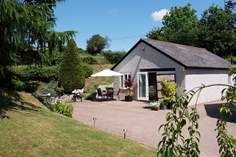 Birch House Studio - Holiday Cottage - 4.4 miles S of Wellington