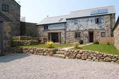 Barn Court - Holiday Cottage - 5.4 miles SW of St Ives