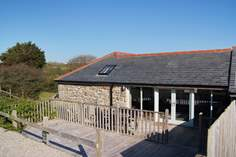 The Old Barn - Holiday Cottage - 2.3 miles E of Sennen