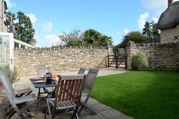 There is an enclosed garden and private parking at the rear of the cottage; it is easier to reverse through the gates as the turning is quite tight.