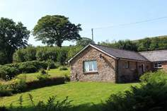 Foxlair Cottage - Holiday Cottage - 7 miles NW of Dulverton
