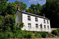 Rose-in-Vale Cottage - Holiday Cottage - 1.6 miles E of St Agnes