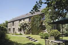 Hooppells Barn - Holiday Cottage - 6.5 miles W of Kingsbridge