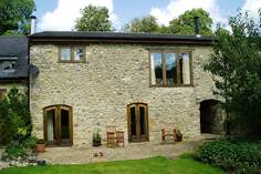 Purtington Barn Cottage - Holiday Cottage - 4.3 miles E of Chard