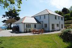 Arlyn Wartha - Holiday Cottage - Coverack