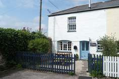 Stable Cottage - Holiday Cottage - 4.1 miles N of Falmouth