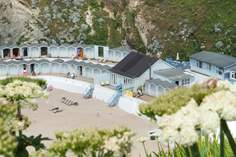 Beach Cottage - Holiday Cottage - 1.1 miles NE of Newquay