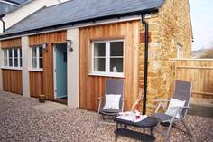 The Linhay - Holiday Cottage - 2.3 miles W of Bridport