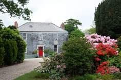 Treffry Farmhouse - Holiday Cottage - 8 miles N of Fowey