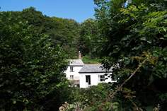 Rose's Cottage - Holiday Cottage - 6.2 miles W of Bideford