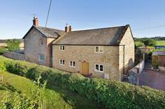 Scrumpy Cottage - Holiday Cottage - 1.6 miles SE of Ilminster