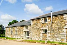 Dowstall Barn - Holiday Cottage - 2.8 miles N of Falmouth
