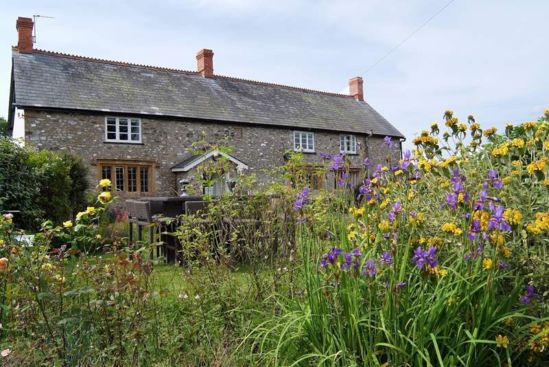 Woodend Farm is a wonderful historic building with a stunning contemporary interior.