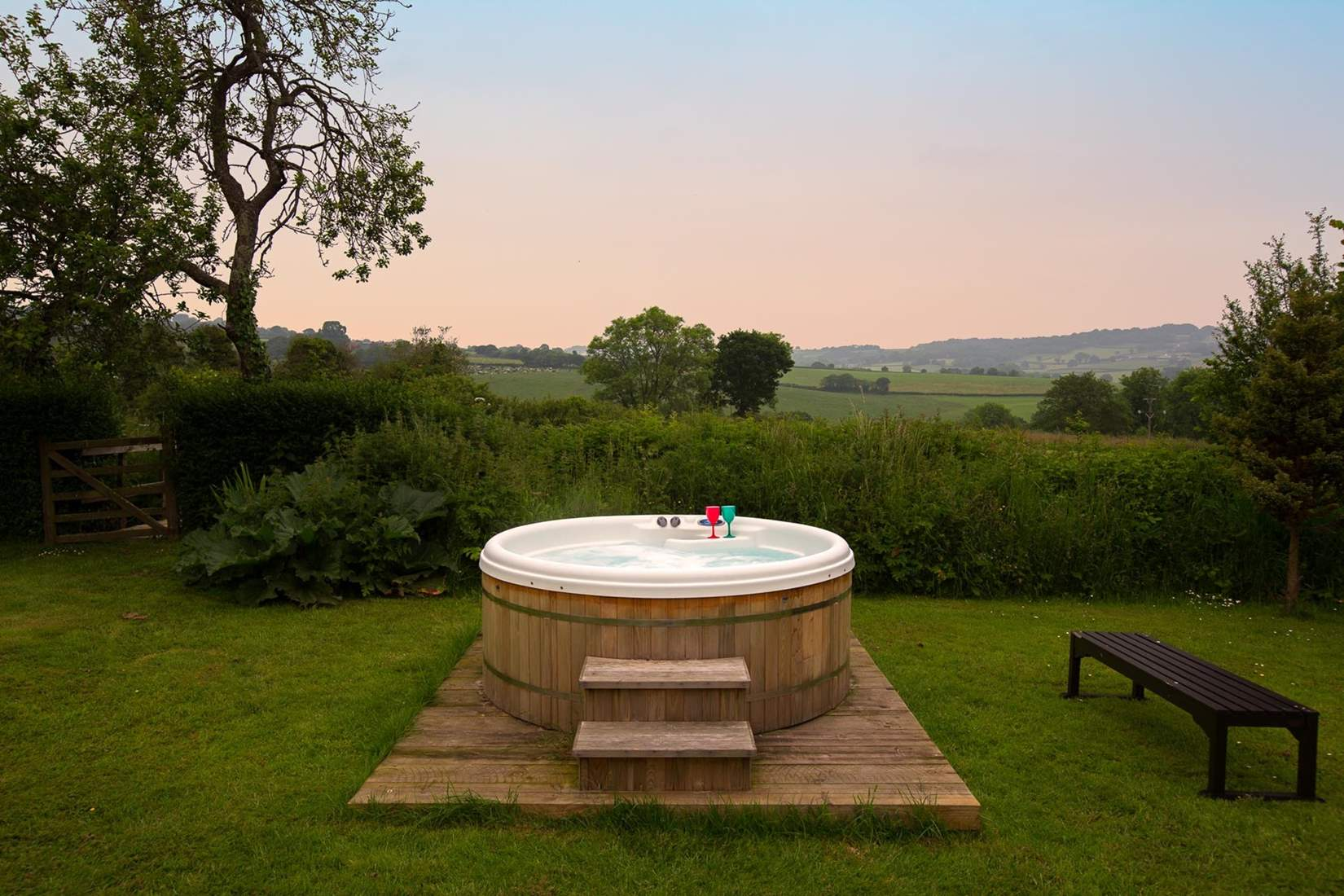 Woodend Farm Easter hot tub